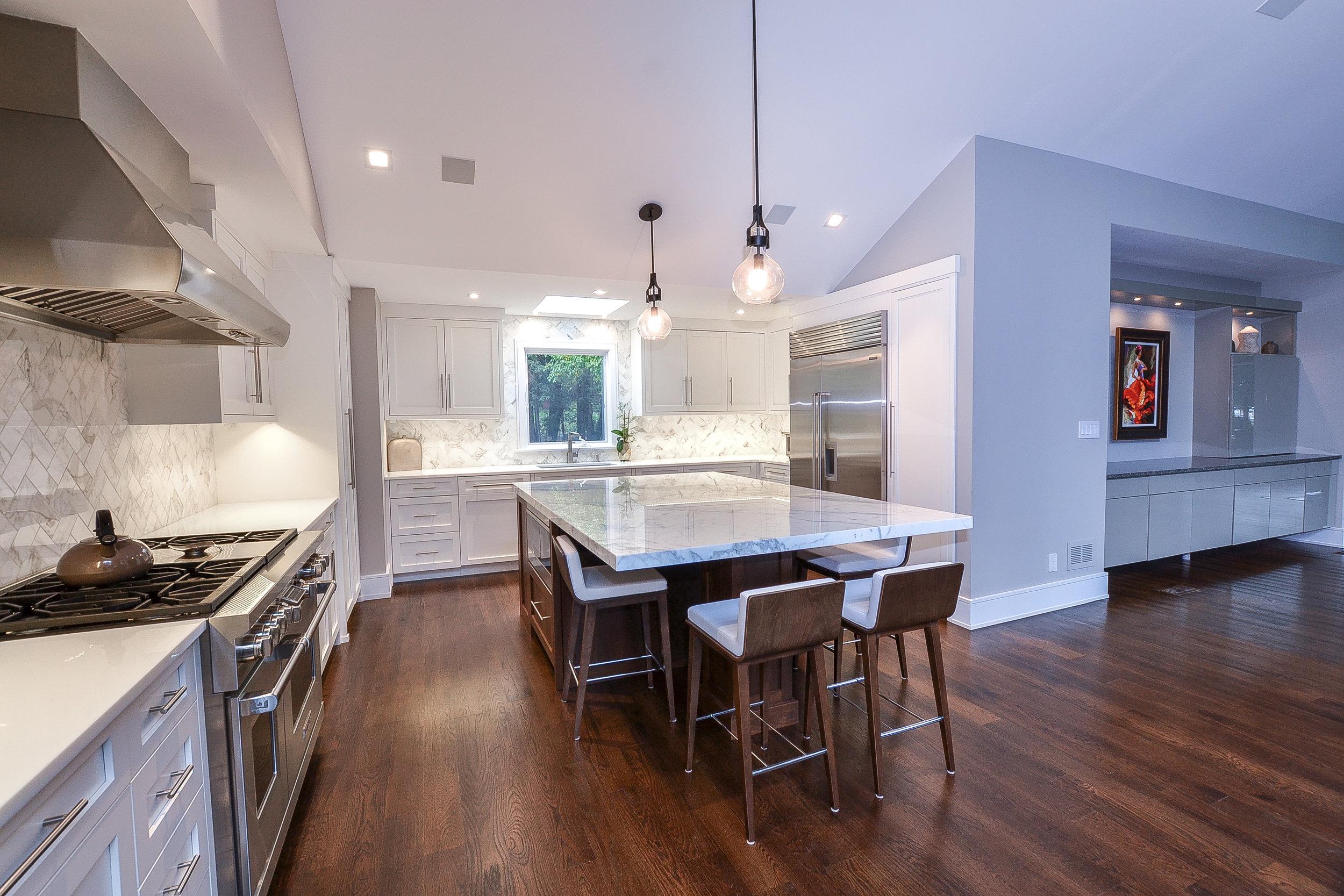 8 Grace Lane - kitchen plus built in (1 of 1).jpg