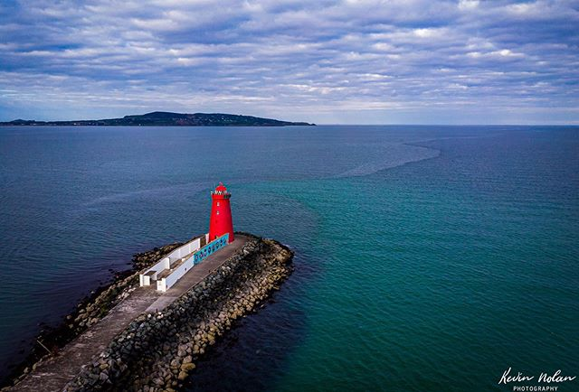 Here's to a sunny weekend. Poolbeg lighthouse from above. . . . . #dji  #killergrams  #mavicair  #drone  #houseoftones  #dublin  #discoverdublin #insta_ireland  #tourismireland #visitdublin #ireland_gram #irishpassion #lovedublin #loves_ireland #lovindublin #igersdublin #igersireland #moodygrams #ireland  #Instagram #natgeoyourshot  #iger  #ig_ireland  #thefullirish #raw_ireland #bestirelandpics #daily_ireland #kevinnolan76 www.kevinnolanphoto.com