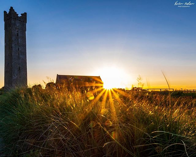 Sunset at Maidens Tower, Mornington, Co Meath on the 10th of June 2019. . . . . . #sunset  #killergrams  #sunsetphotography  #nikon  #houseoftones  #Meath  #discoverdublin #insta_ireland  #tourismireland #visitdublin #ireland_gram #irishpassion #lovedublin #loves_ireland #lovindublin #igersdublin #igersireland #moodygrams #ireland  #Instagram #natgeo #iger  #ig_ireland  #thefullirish #raw_ireland #bestirelandpics #daily_ireland #kevinnolan76 www.kevinnolanphoto.com