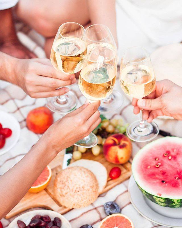 Keep summer around for a bit longer with Alsace wine. 🥂 - Pick a Gewuztraminer if you like fruity (lychee and pineapple), Riesling for citrus (lemons and grapefruit), or a Pinot Gris and/or Pinot Blanc for stone-fruit notes (ripe peaches, apricots and nectarines). And, of course, any Crémant d'Alsace 🍾 is good, always. - Cheers to the long, holiday weekend!