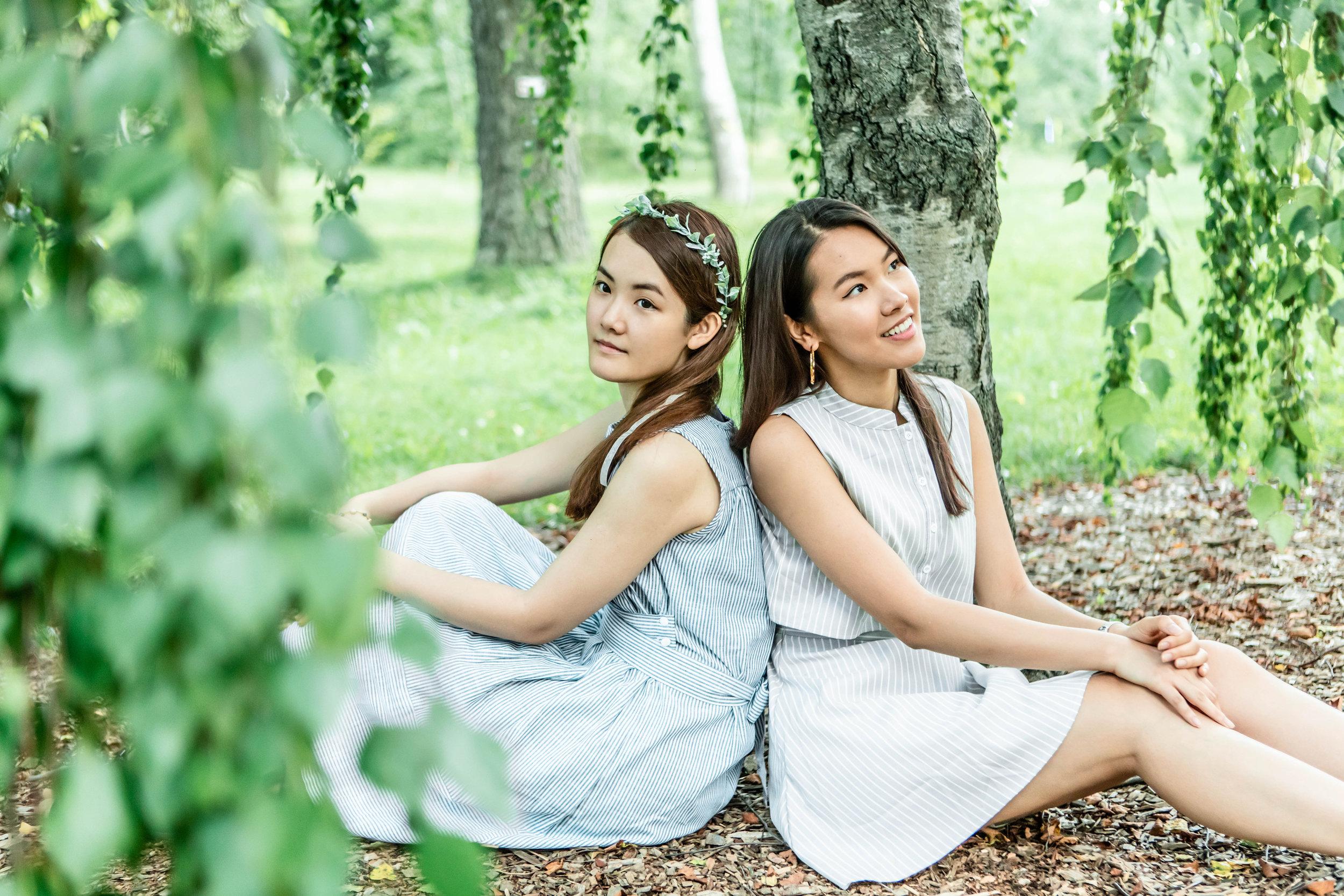 sisters-in-summertime-eva-loh-01.jpg