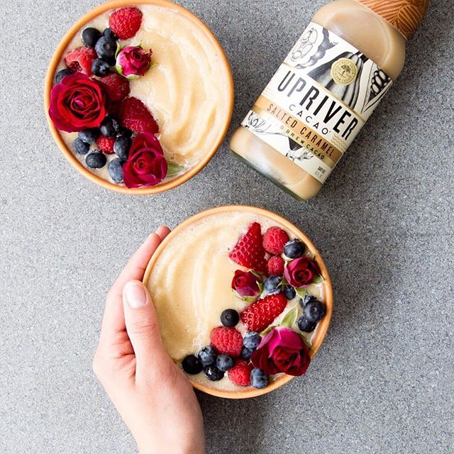 It's the weekend! The perfect time to explore new ways to enjoy cold brew cacao. Like this Salted Caramel smoothie bowl...😋 How do you #cacao?