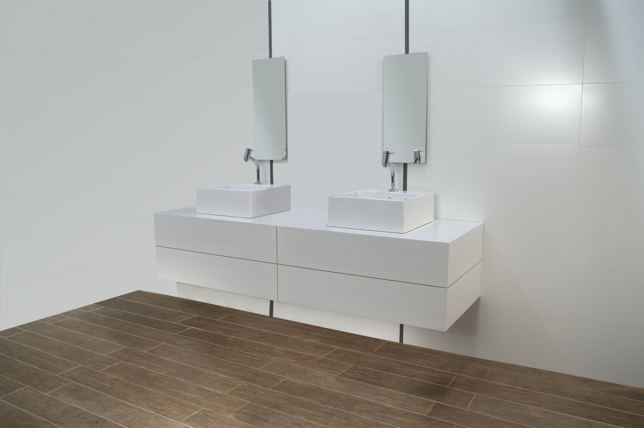 Cetim-Blanco-Room-Scene-2.jpg