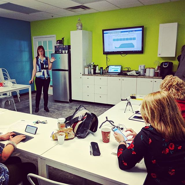 Thanks to @krystalhobbs for joining us last week to teach #MBObusiness clients how to harness the power of Facebook Live to reach their customers!  We're hoping to start doing some live videos in the new year. Which of our #MBObusiness clients should we visit? 🎬🎤😊