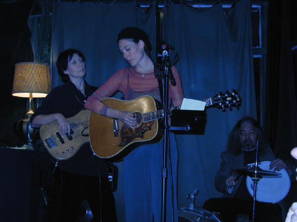Sari performing with her mother Debbie Green