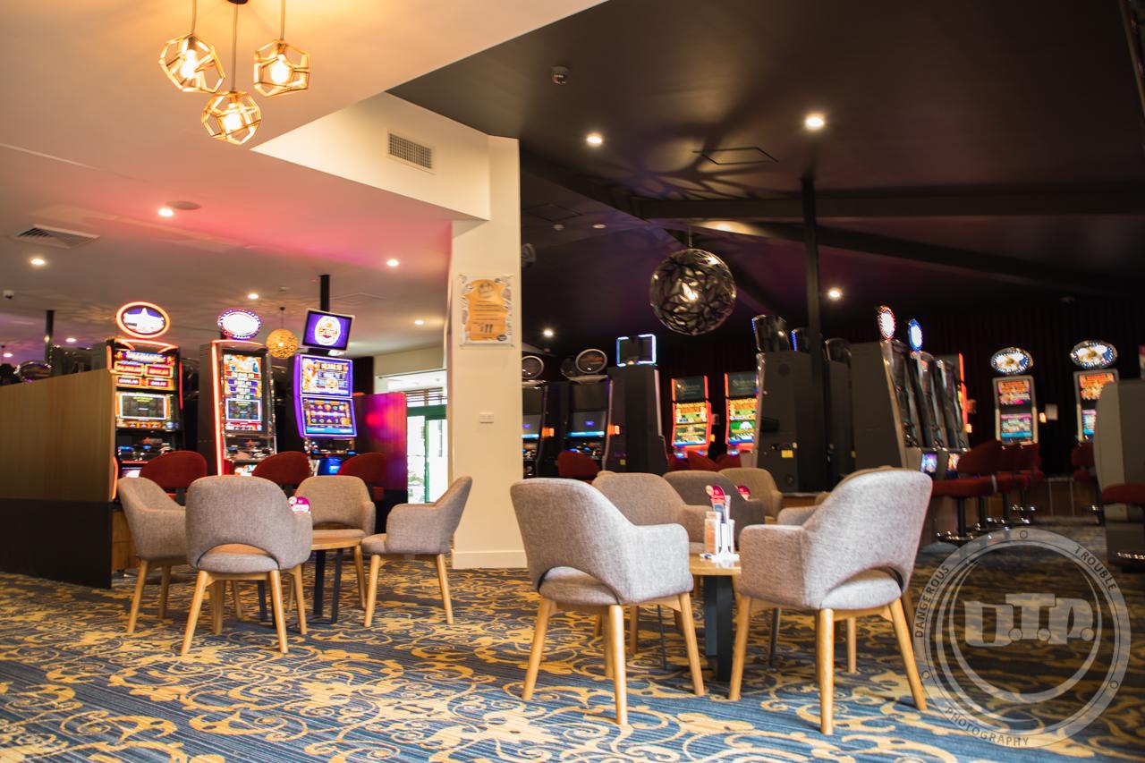 Parkwood Tavern-1-7.jpg