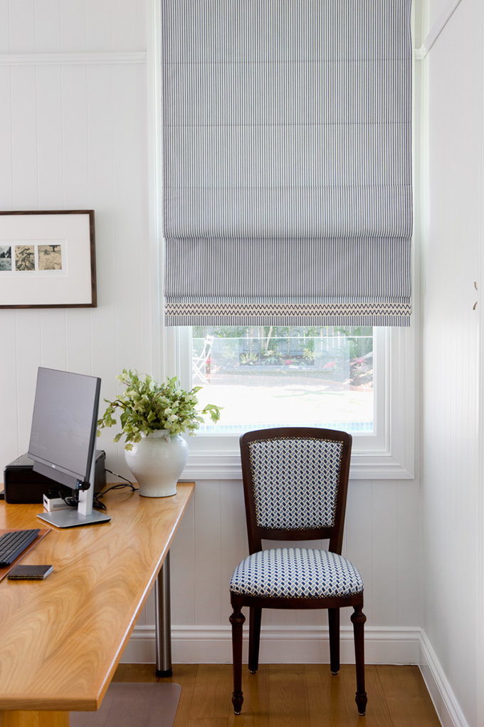 Structured Roman Blind with Trim