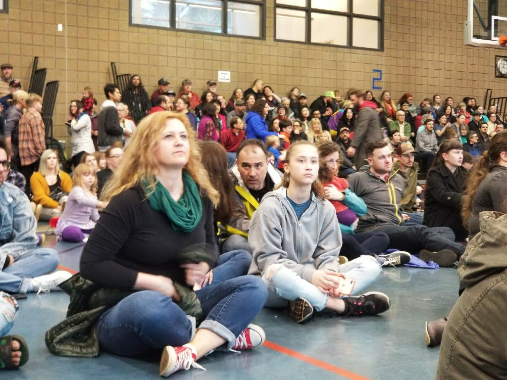 Portlanders Stand with Refugees & Immigrants - March 16, 2018 at East Portland Recreation Center. Click here for photos.