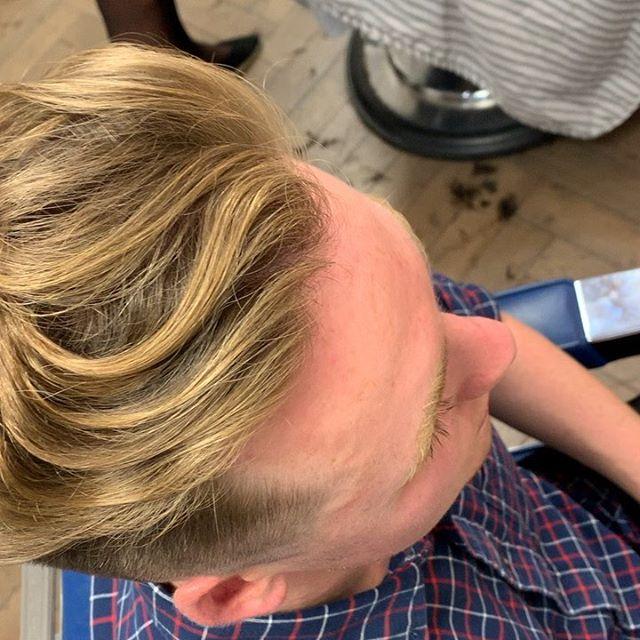 Curl 👌🏻 #barber #barbering #fade #menshair #skinfade #curlyhair #texture
