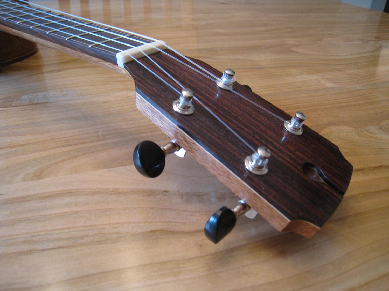 mustguitars-ukulele-blakes4-comp (4).JPG