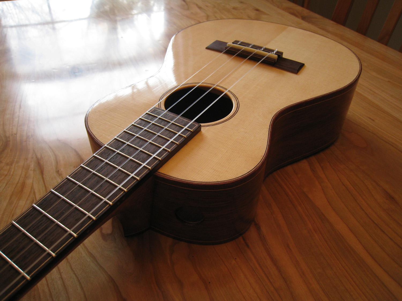 mustguitars-ukulele-blakes4-comp (3).JPG