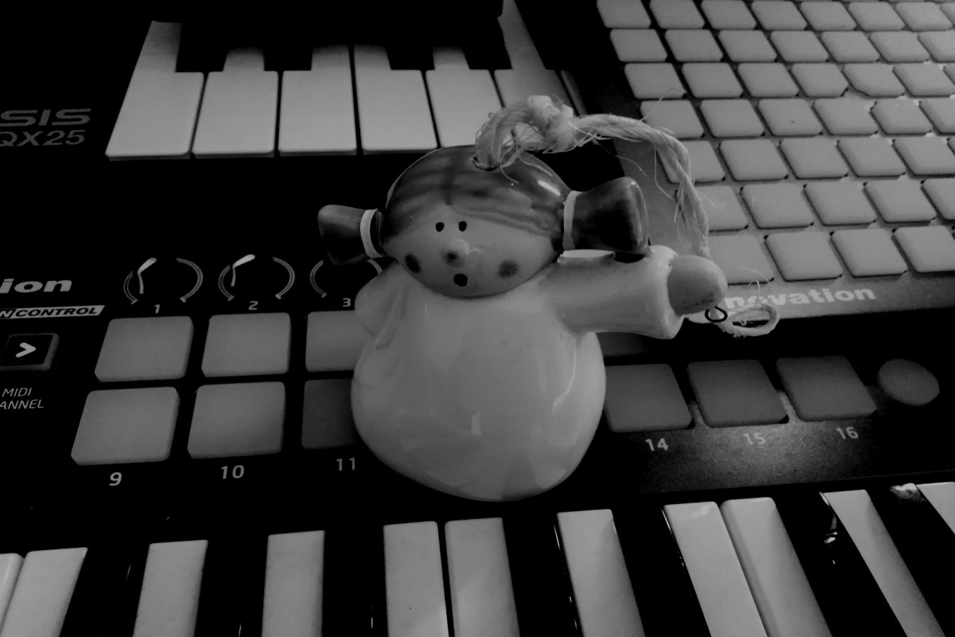 Ceramic Angel Bell One Shots and FX - A ceramic bell I found lying around my home. I recorded the sounds and made some drum one shots and effects.2nd April 2019