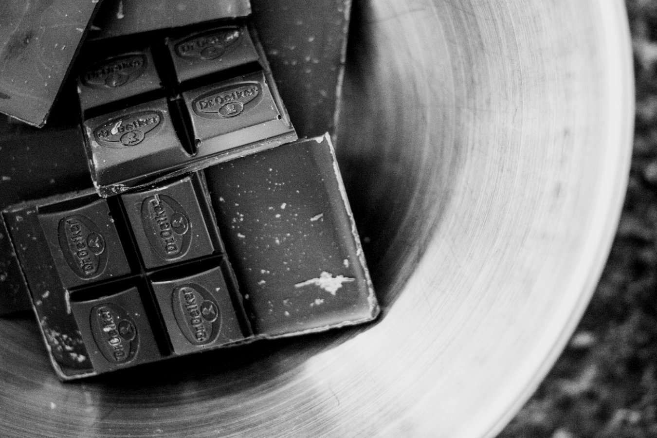 Chocolate Bar Snaps - A small sample pack of a chocolate bar being snapped in half. With a little echo and a small bit of reverb you would have yourself some amazing organic snap one shots.8th April 2019