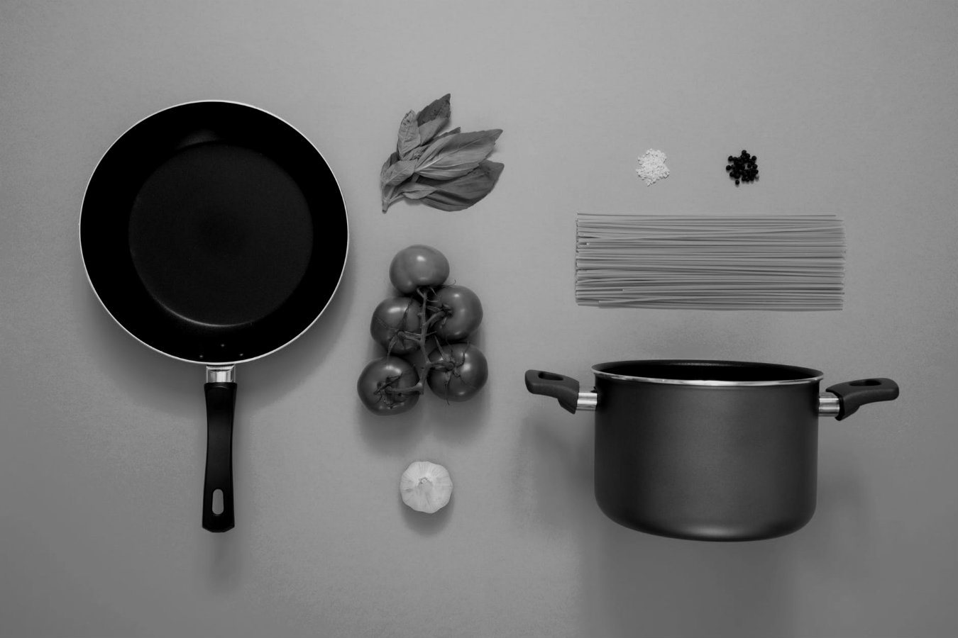 Pots And Pans -Metallic Hits And FX - A load of one shots, FX and textures from the sound of hitting pots and pans with a wooden spoon.12th April 2019