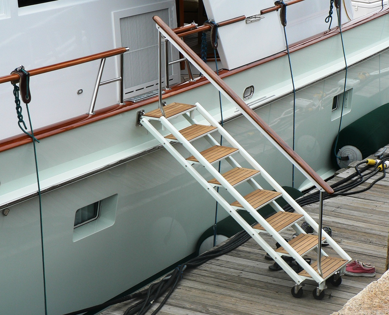 Sea Stairs - GMT Sea Stairs are custom designed to meet your boarding and storage needs.LEARN MORE…