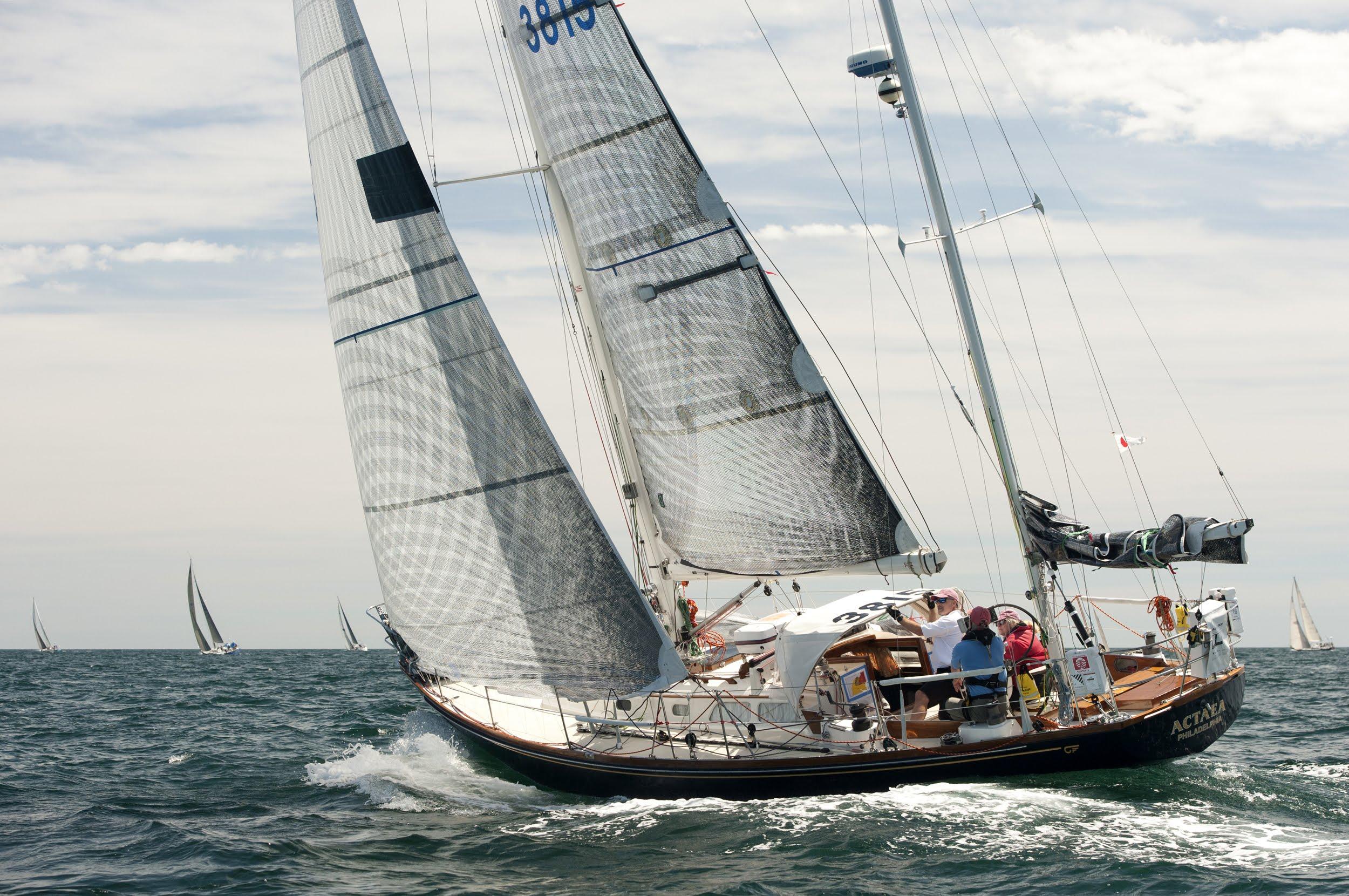 Actea  - Hicnkley Bermuda 40 - GMT Carbon Rig