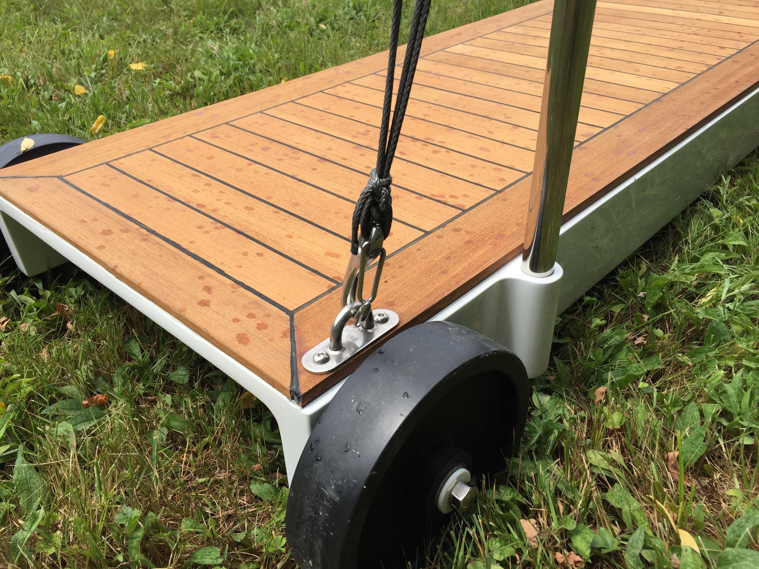 Carbon_Gangway_Wheels.JPG