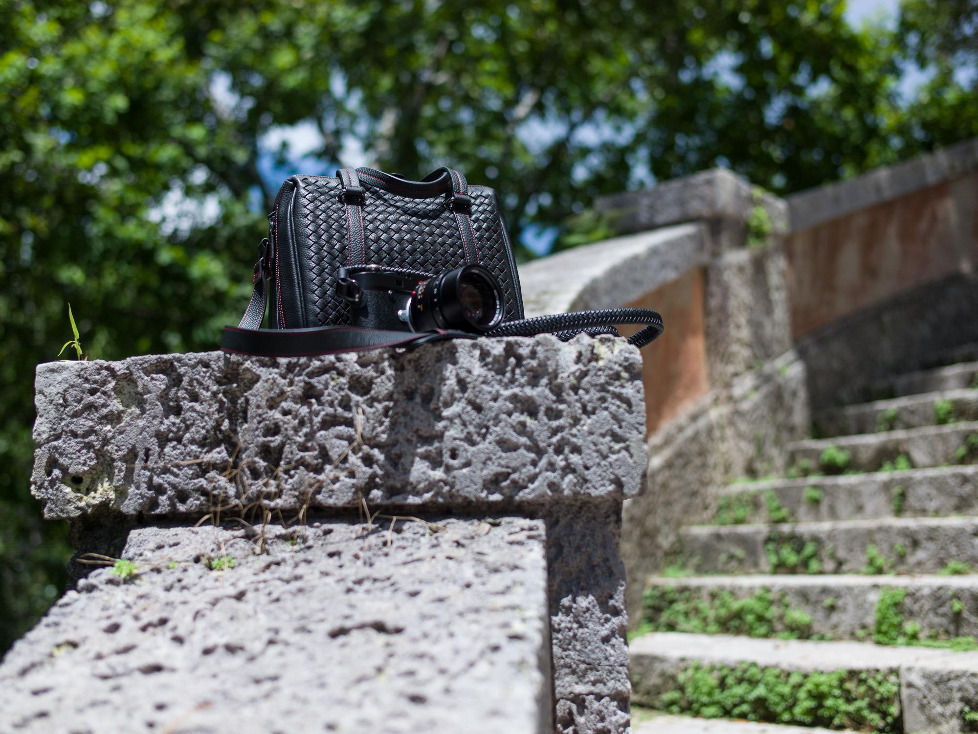 Vi Vante calibre bag Matador Noir braided leather 2 camera strap leica m10 noctilux.jpg