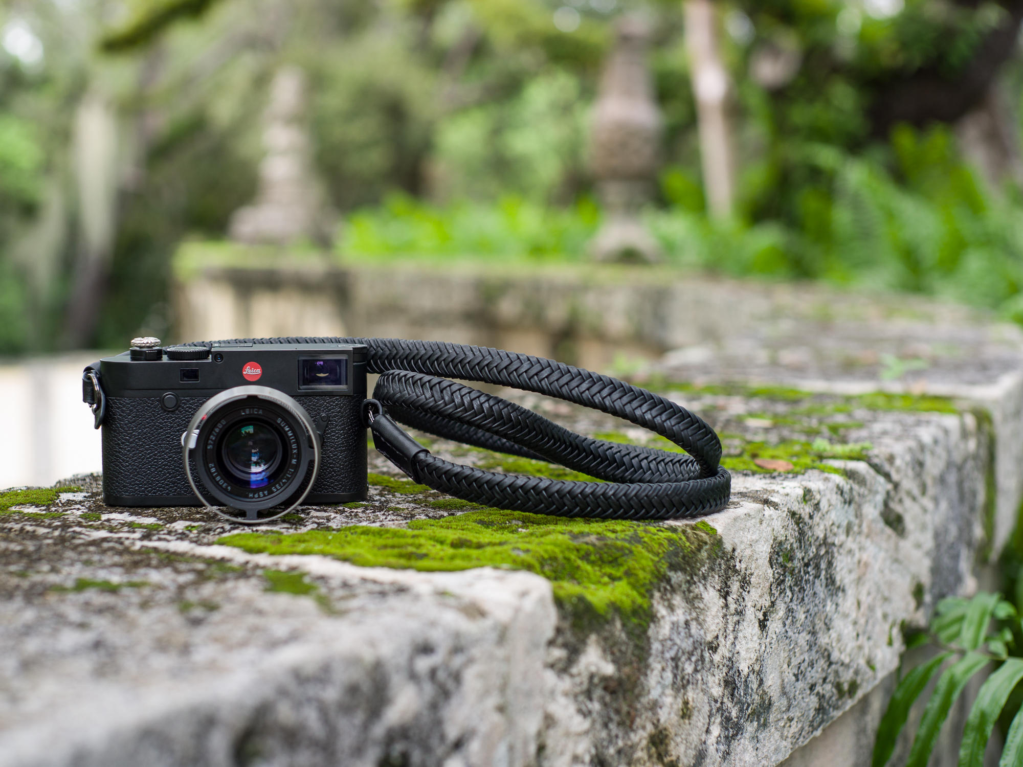 Vi Vante calibre bag Matador Noir braided leather 3 camera strap leica m10 summilux.jpg