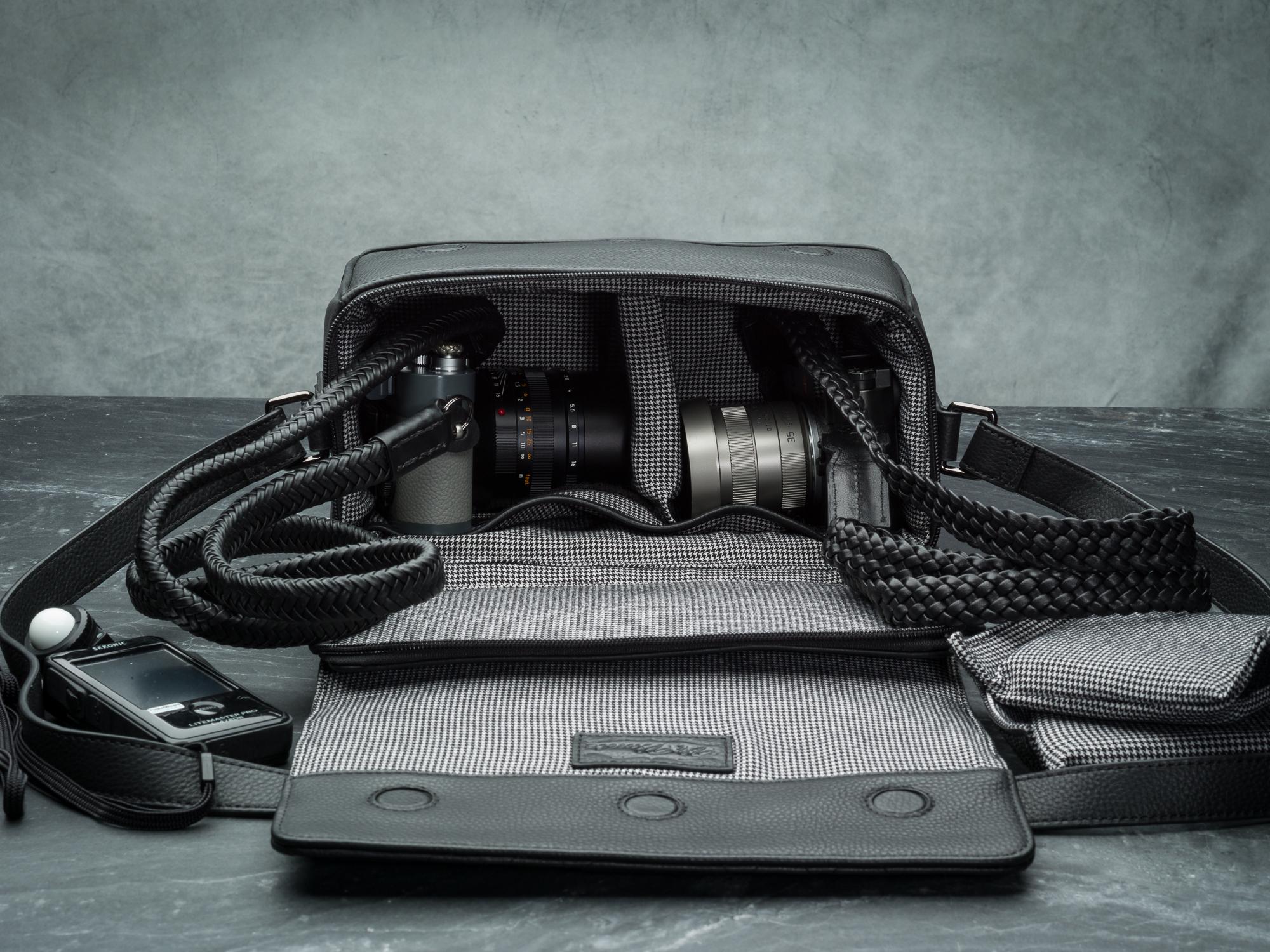 Vi Vante Pegasus Leather Camera Bag down in.jpg