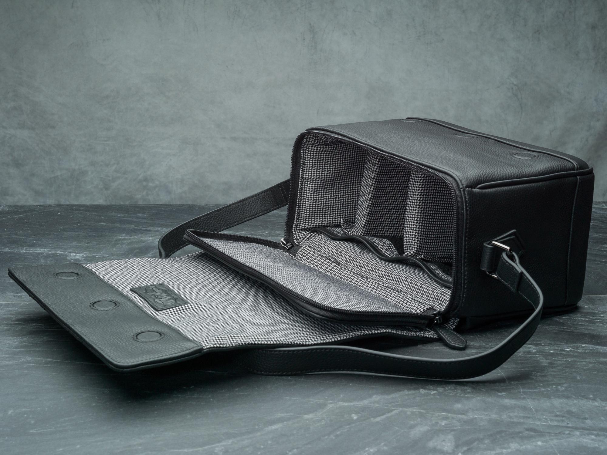 Vi Vante Pegasus Leather Camera Bag flap 2 1.jpg