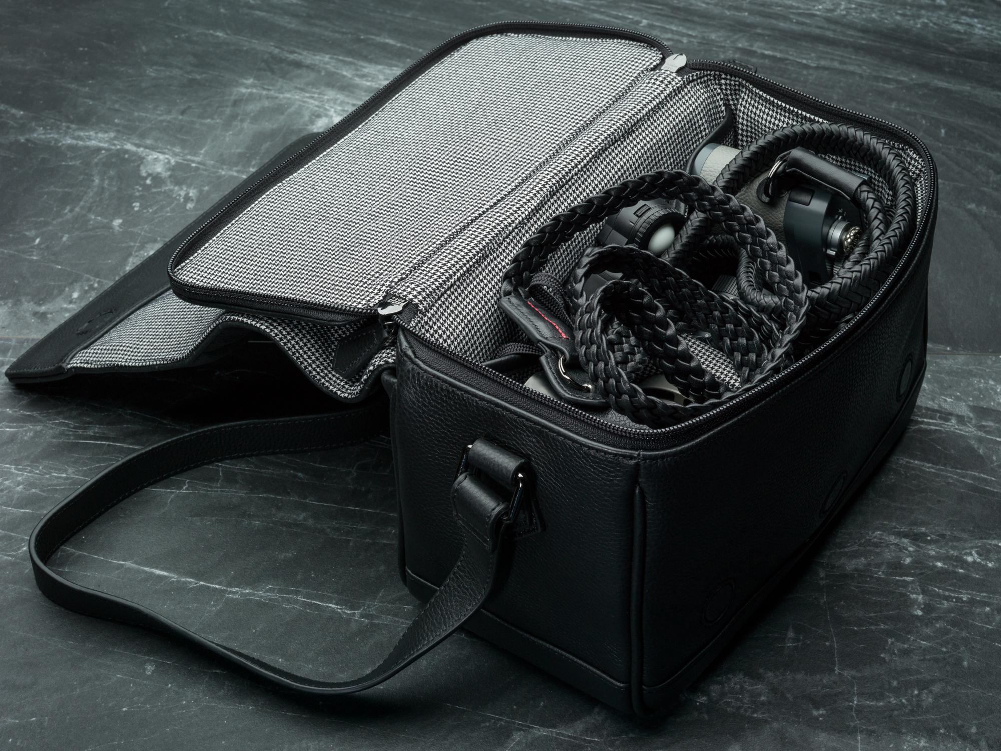 Vi Vante Pegasus Leather Camera Bag leica 1.jpg