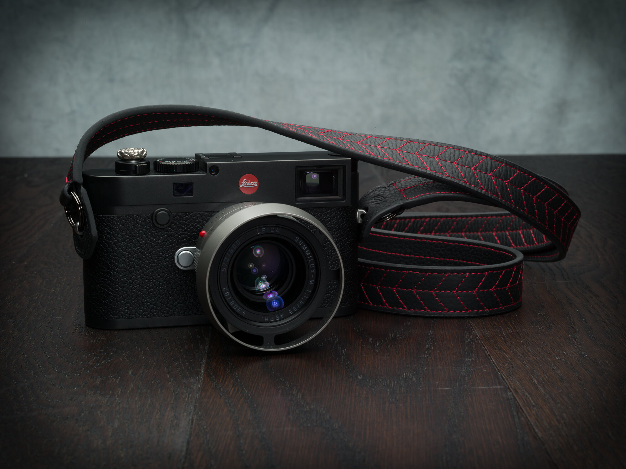 Vi Vante Tread Classic Leather Camera Strap Leica M10 1.jpg
