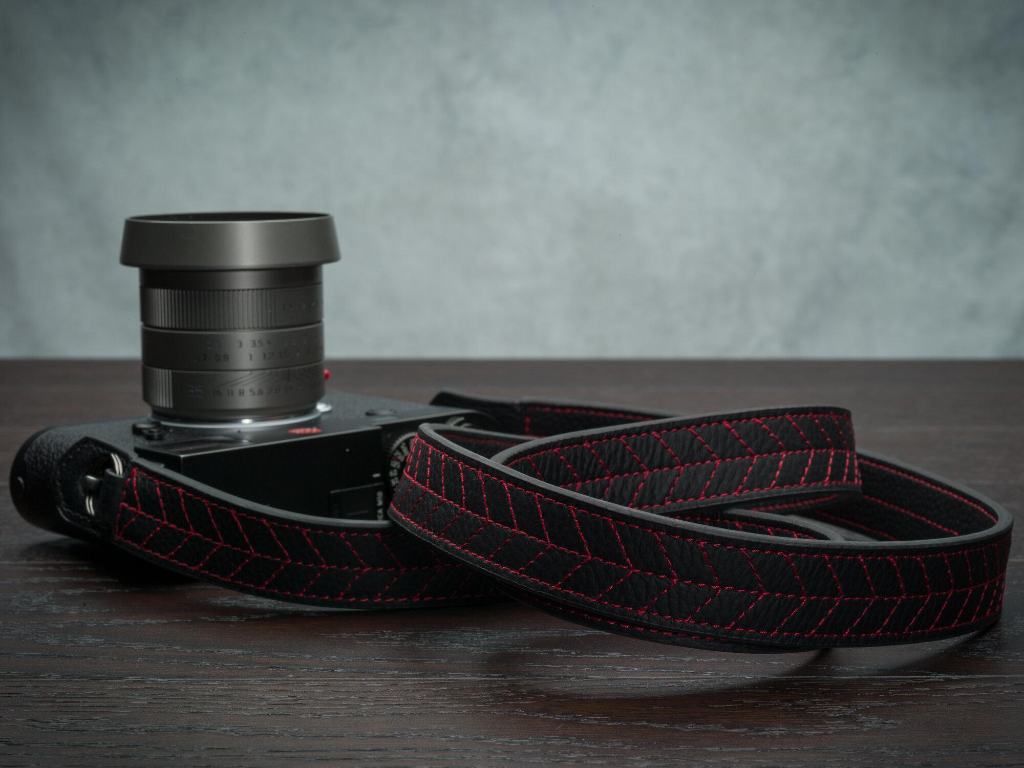 Vi Vante Tread Classic Leather Camera Strap Leica M10 2.jpg