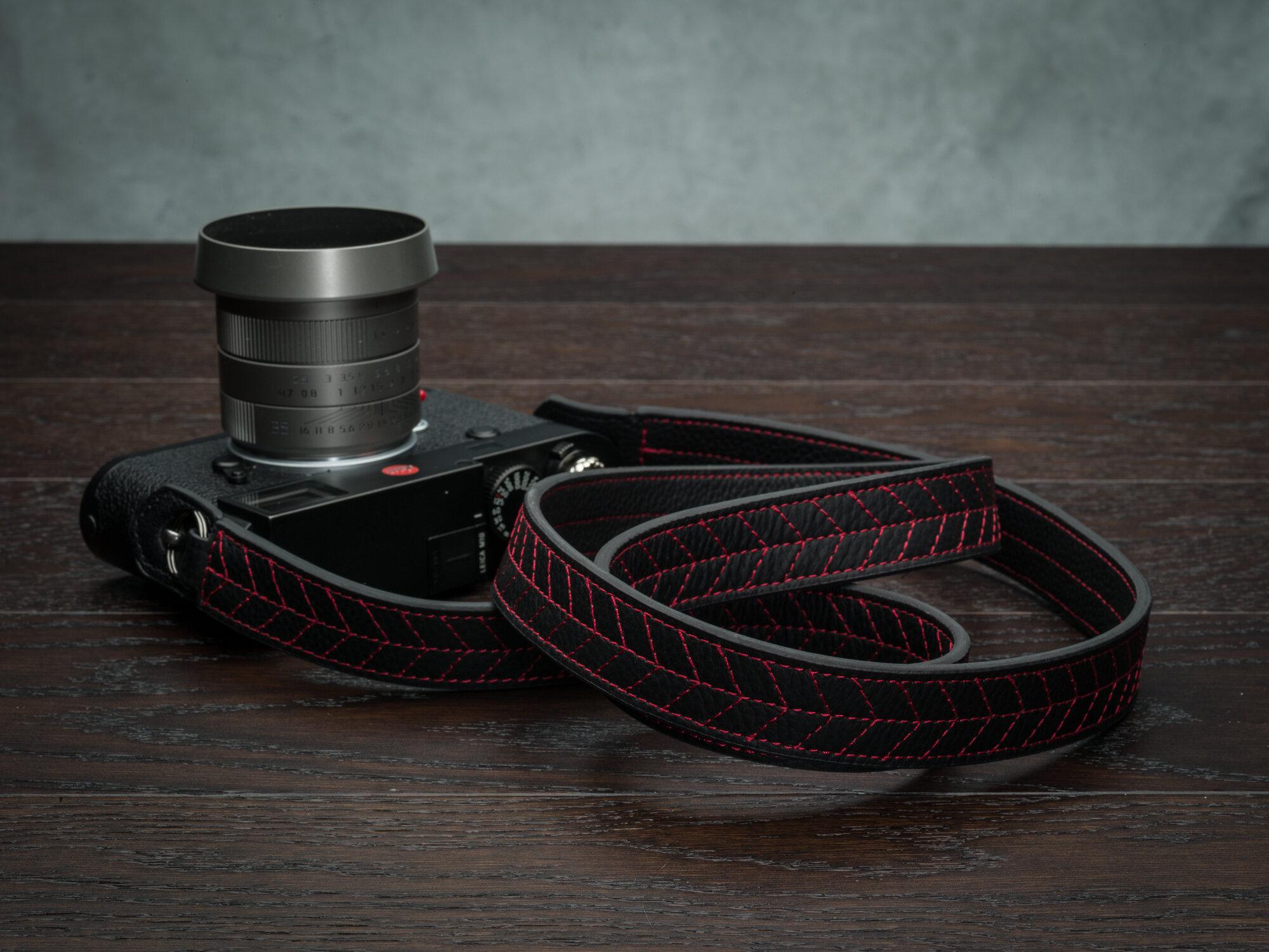 Vi Vante Tread Classic Leather Camera Strap Leica M10 3.jpg