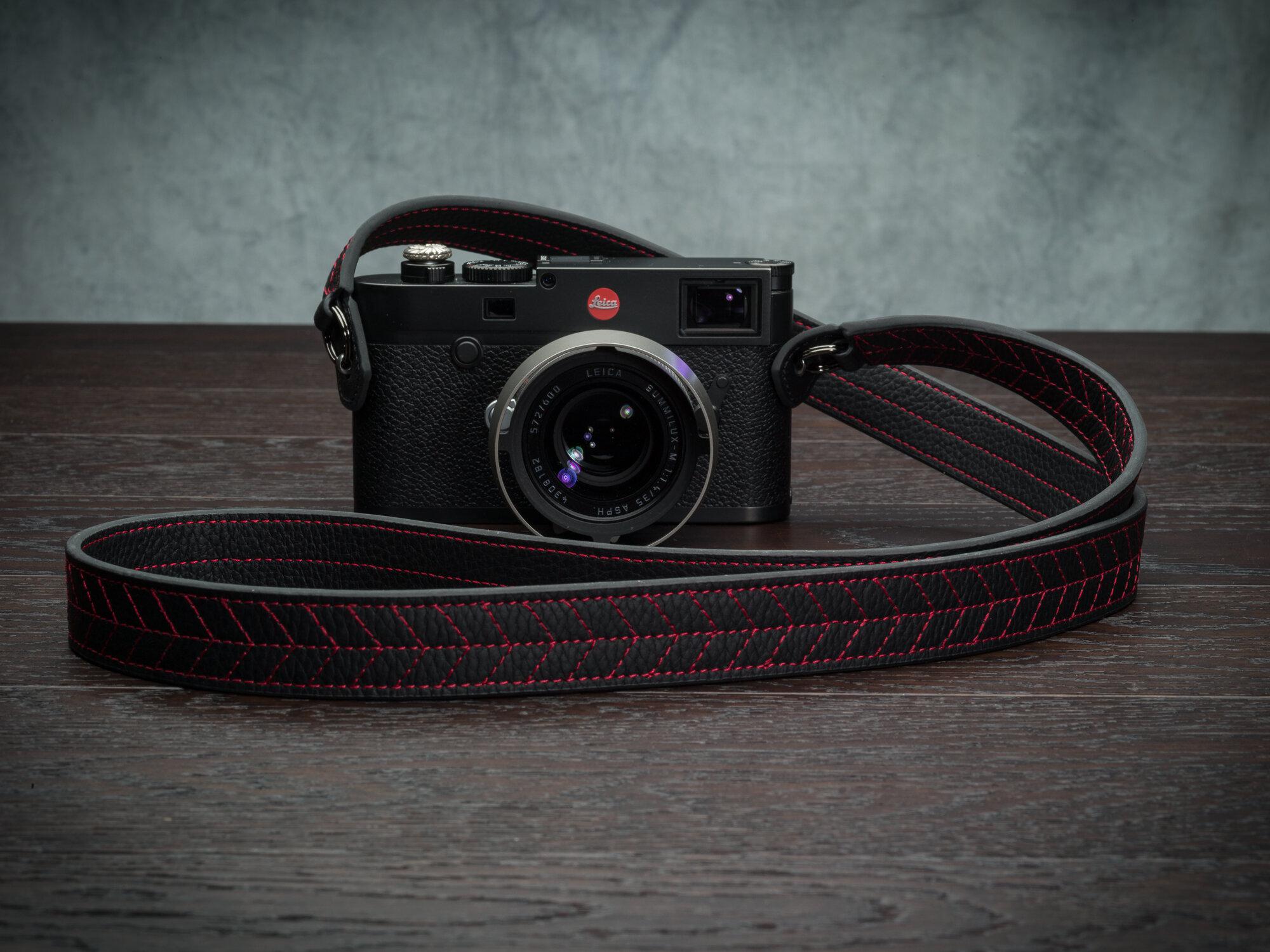 Vi Vante Tread Classic Leather Camera Strap Leica M10 5.jpg