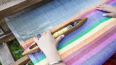 weaving-loom-2571179_640.jpg