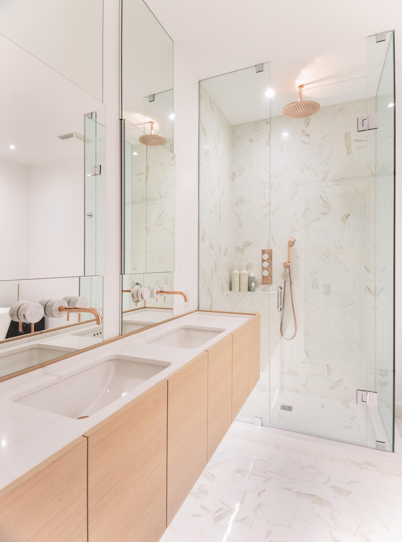 10 Shower.jpg