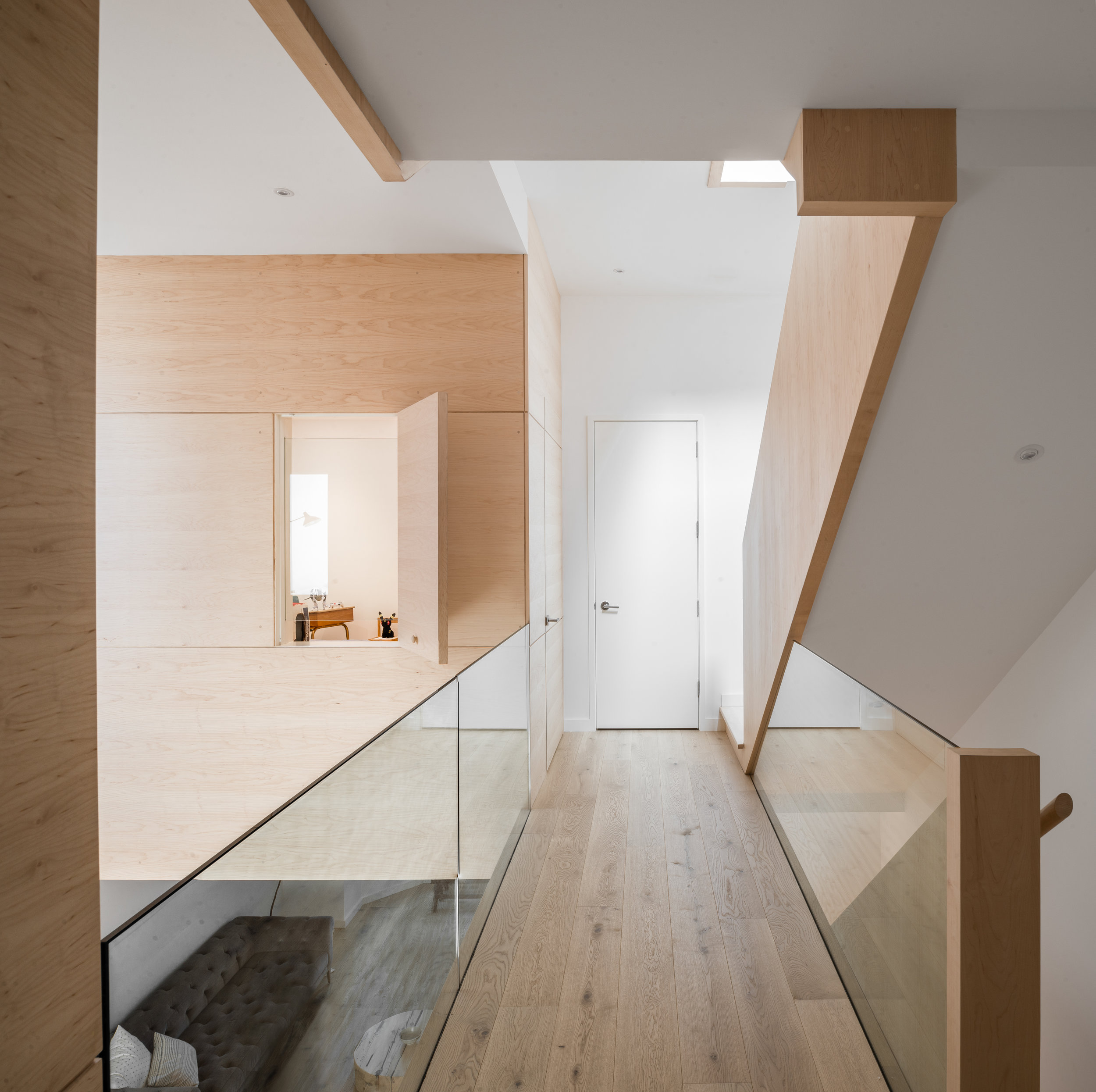 14 Upstairs Hallway.jpg