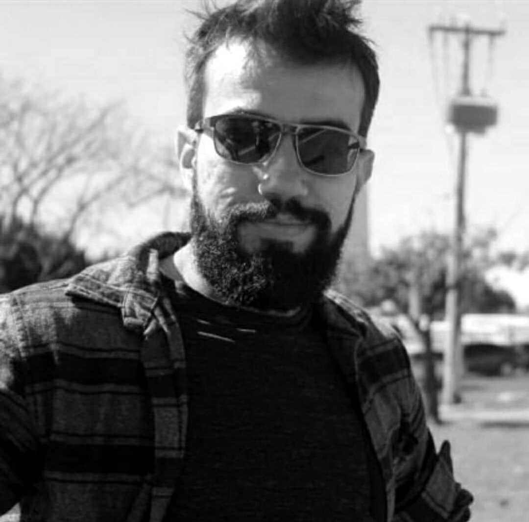 ANTÔNIO CAETANO  Professor de biologia e ciências formado pela UCSal. Atualmente graduando de Letras pela UFBa. Roteirista do projeto Breu.