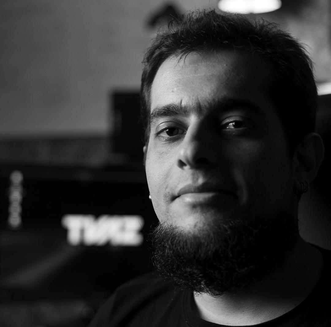 THARCISIO VAZ   T. Vaz é Bacharel e Mestre em Composição Musical para Games na UFBA, no Audio Game Breu criou a trilha sonora e fez a direção musical e das locuções do jogo.