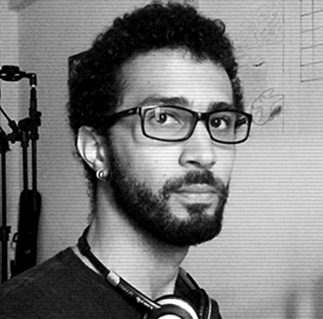 VICENTE REIS   Sound designer e professor no Centro de Cultura, Linguagens e Tecnologias Aplicadas - UFRB.