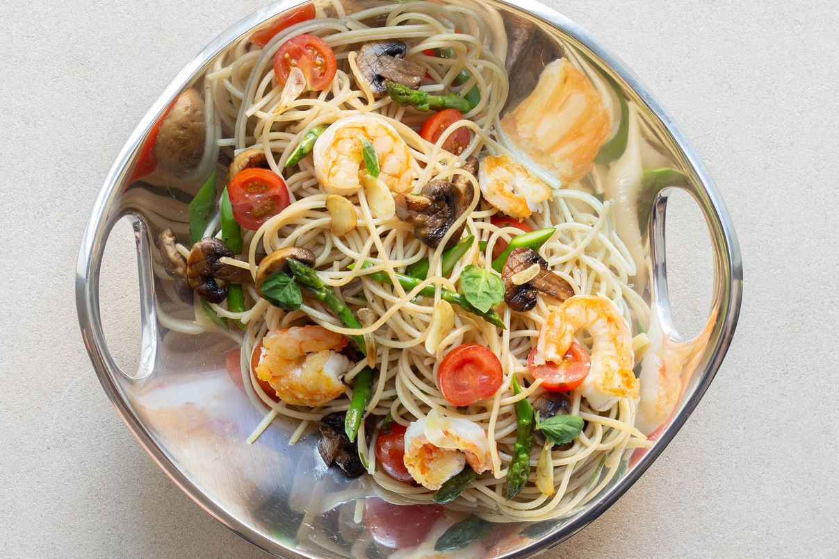 Karina+Heinrich_Shrimp+%26+Veggies+with+Brown+Rice+Linguine+Dish+1+2019.jpg