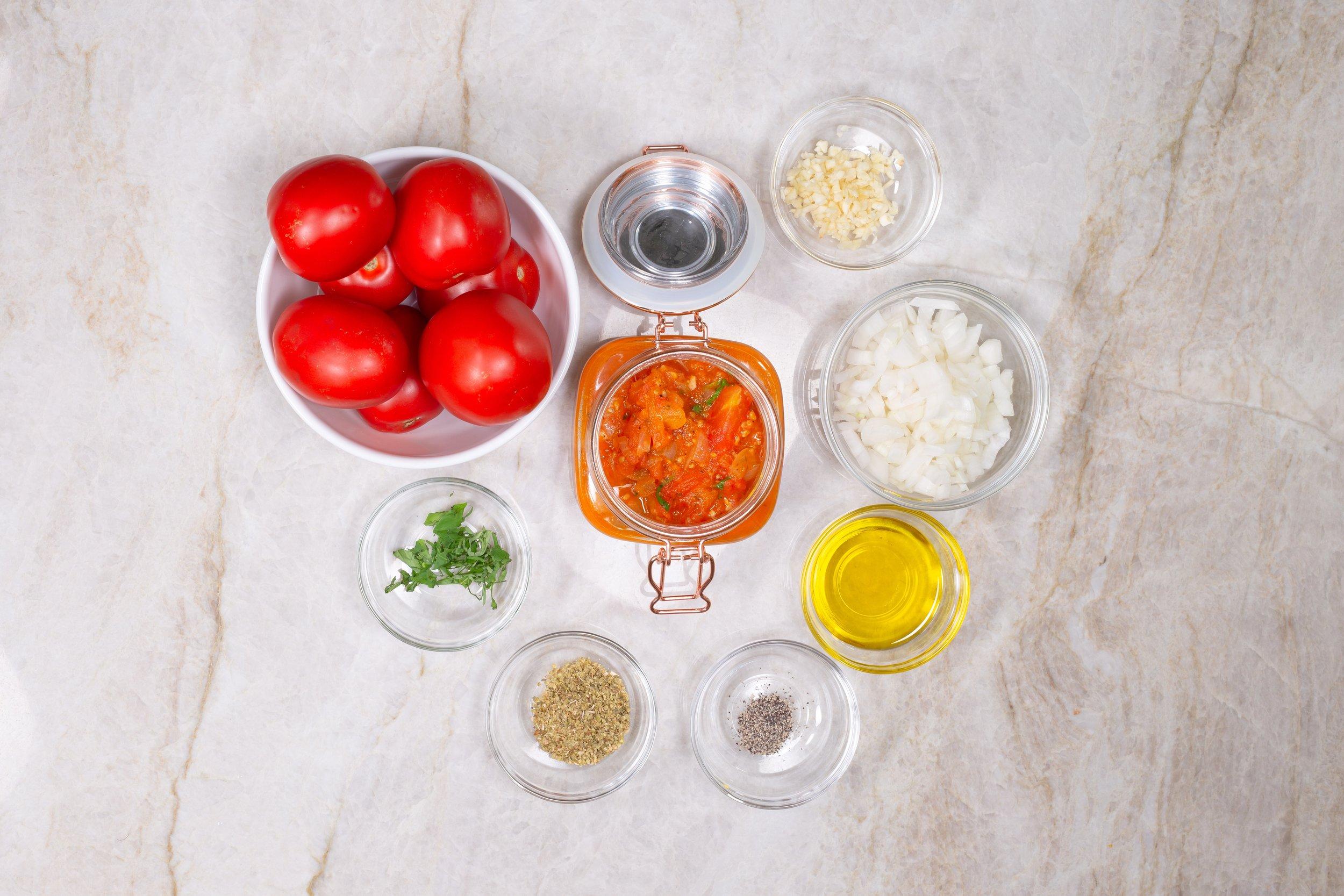 Karina Heinrich_Tomato Sauce Ingredients 2019.jpg
