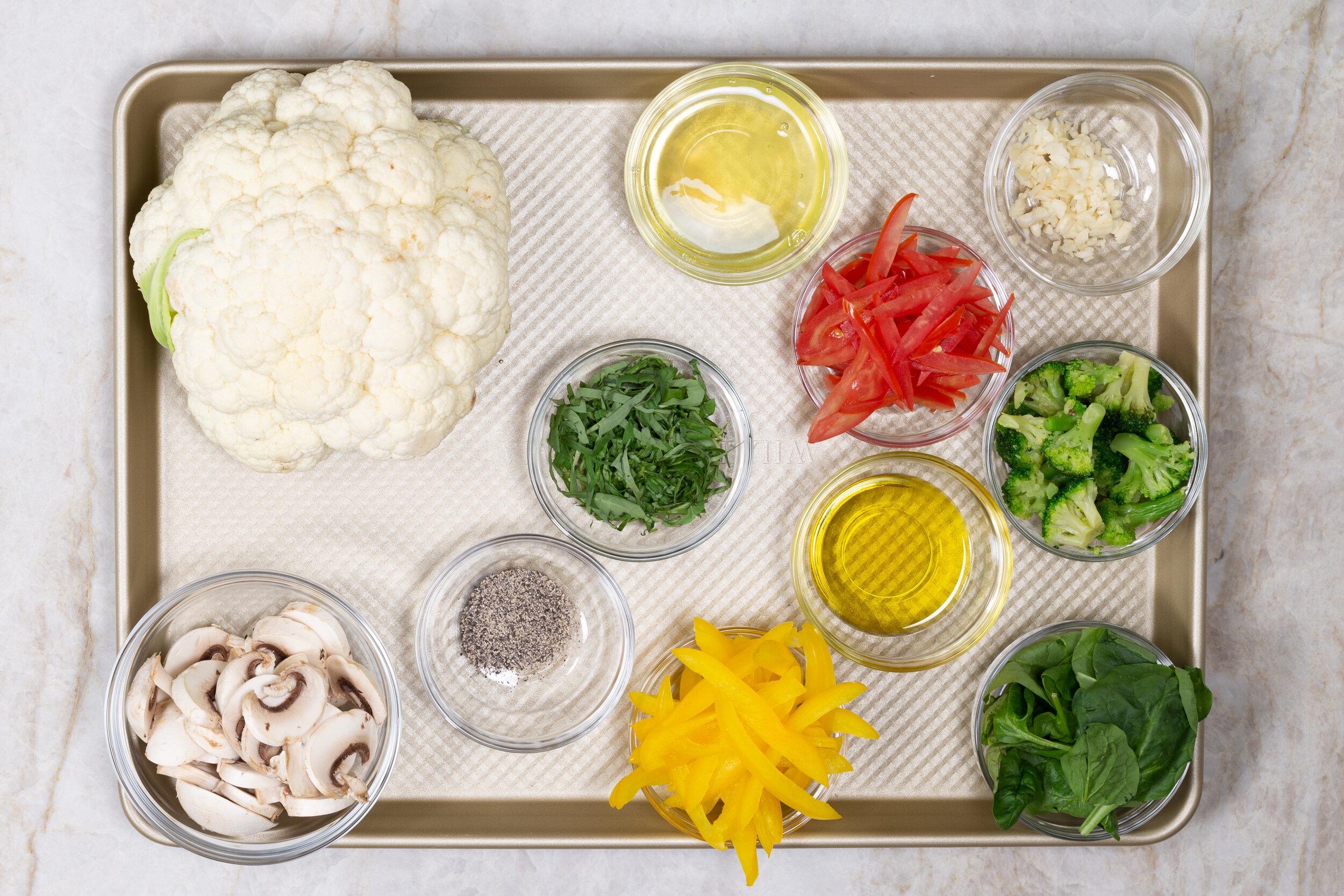 Karina Heinrich_Veggie Pizza with Cauliflower Crust Ingredients 2019.jpg