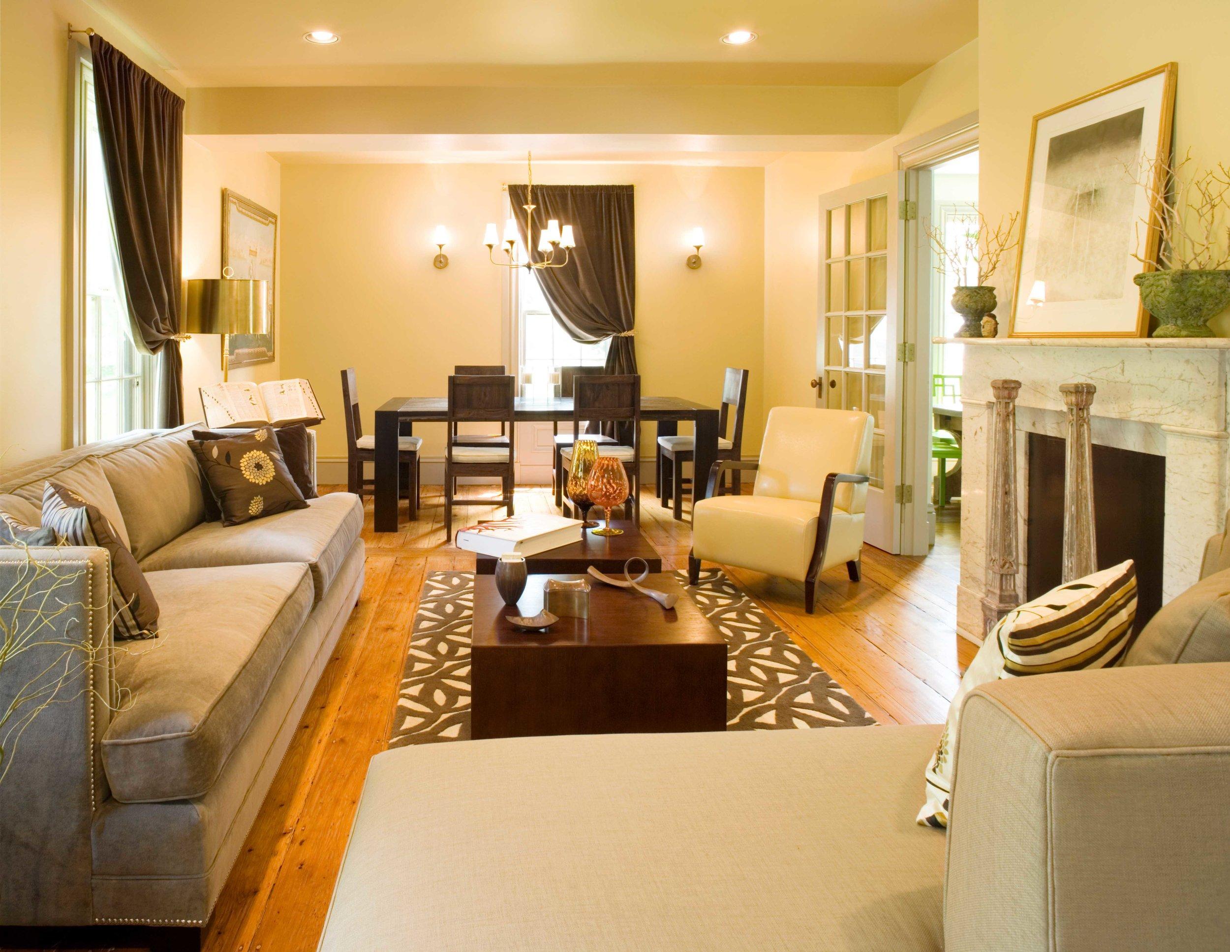 06.046.03 living room, overall 1pt.jpg