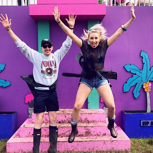When your 6ft 4 brother can't get as high as you 😎😎 . . . #bounce #parklife #manchester #manchesterfestival #manchestermusic #singer #singersongwriter #bounce