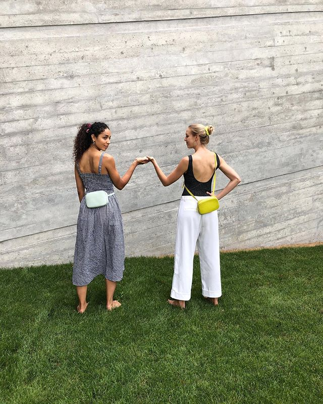 May I ask for this dance? Hip swinging with the new Oval Belt Bags in Jade Green and Light Gray. 🍈🍢   New Collection || launches this Monday. ◦ ◦ ◦ #newcollection #newcolours #fashion #sustainablefashion #newbag #girlbag #beltbag #fannyback #lemonyellow #jadegreen #pastelcolours #girls #madeinspain