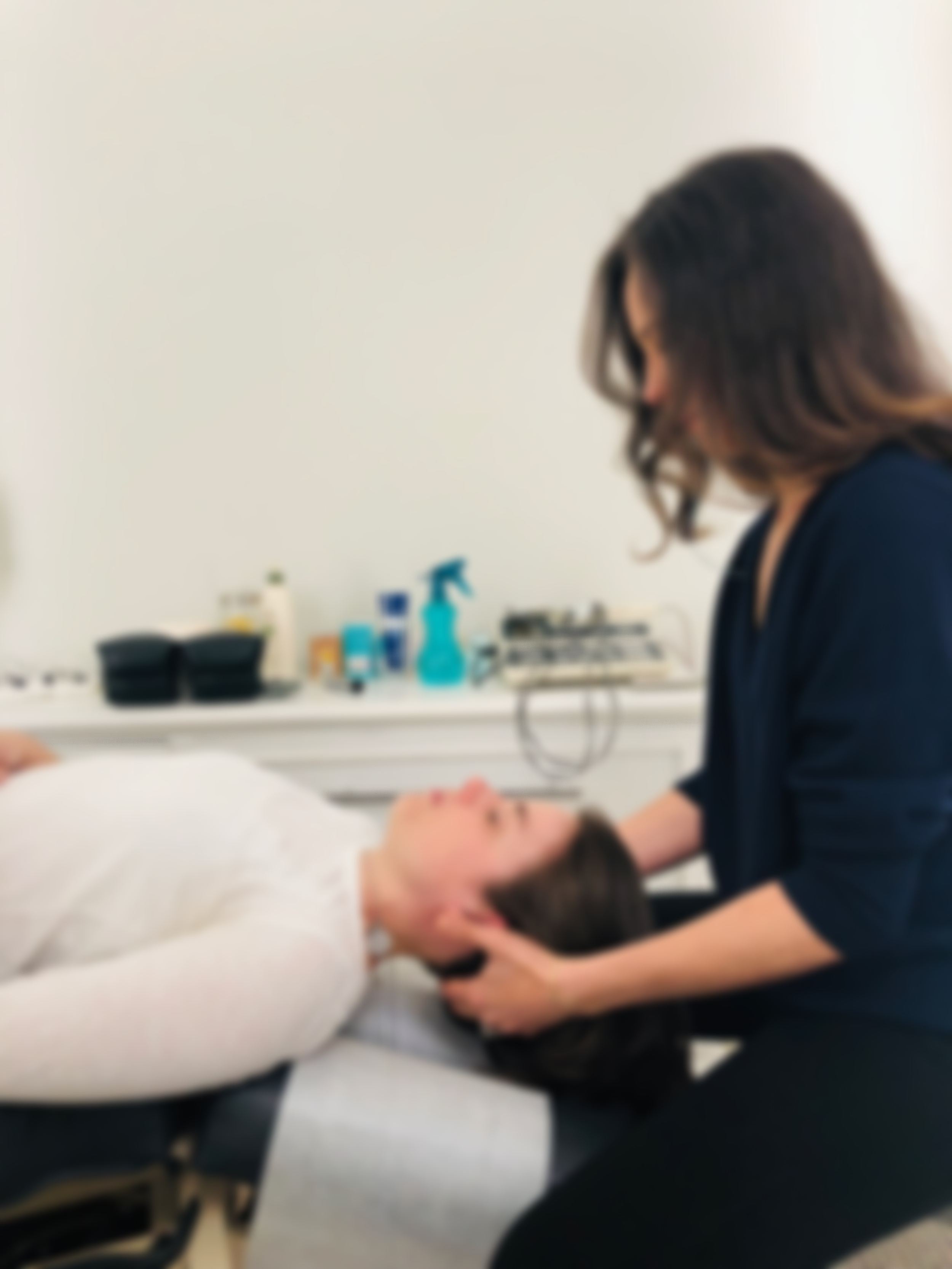 Chiropractic May Help With:Low BackPainBulging and Herniated DiscShoulder PainElbow PainHand PainKnee PainFoot and Ankle PainJoint Pain and StiffnessNerve impingementJaw Pain (TMJ)Muscle PainHeadachesFibromyalgia -