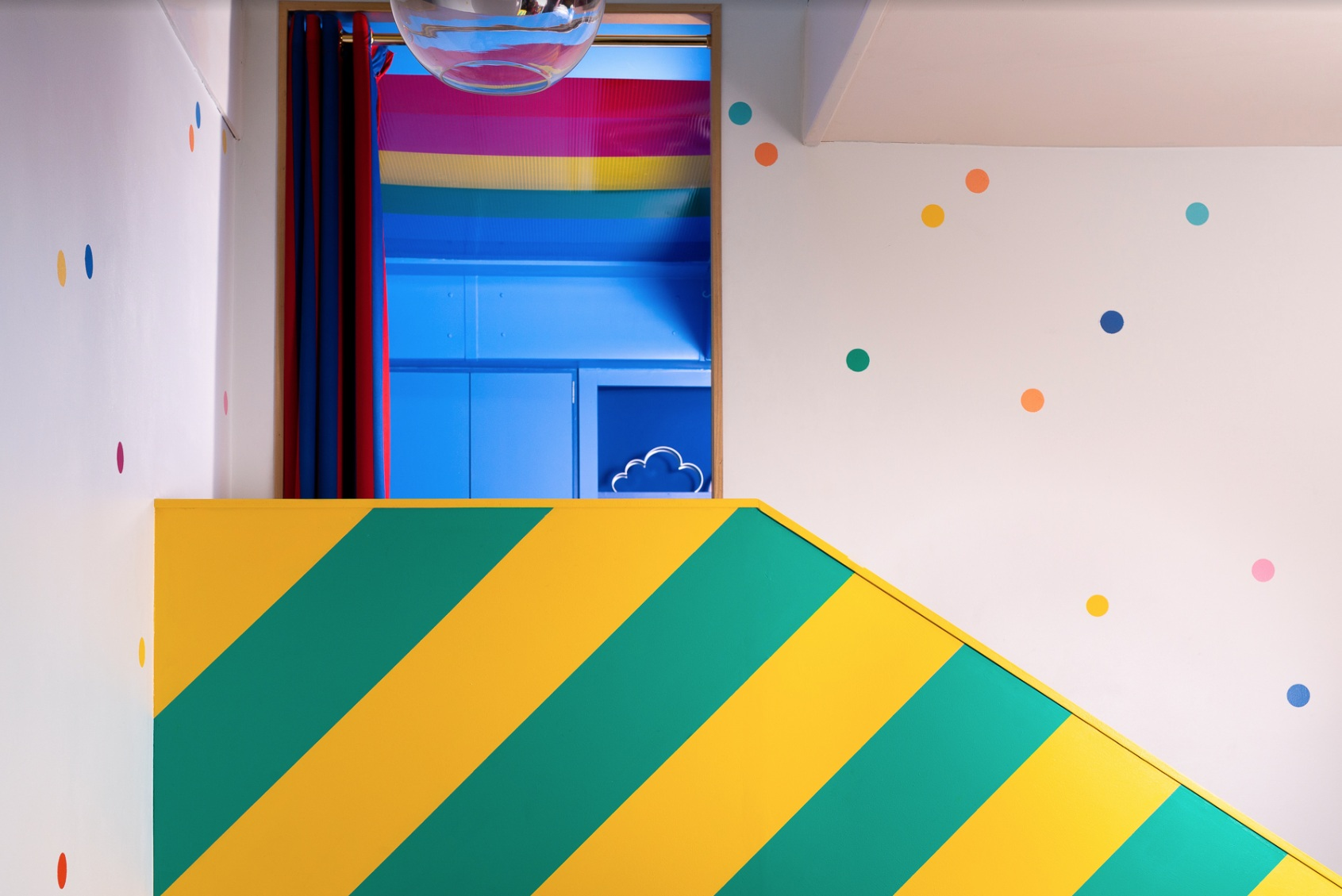 Big Bit   A holiday destination unlike no other. A riot of colour, carefully selected materials and fun-filled details nestled in the heart of Margate's Old Town.
