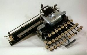 Abigail's typewriter,  courtesy of the Oregon Historical Society Museum