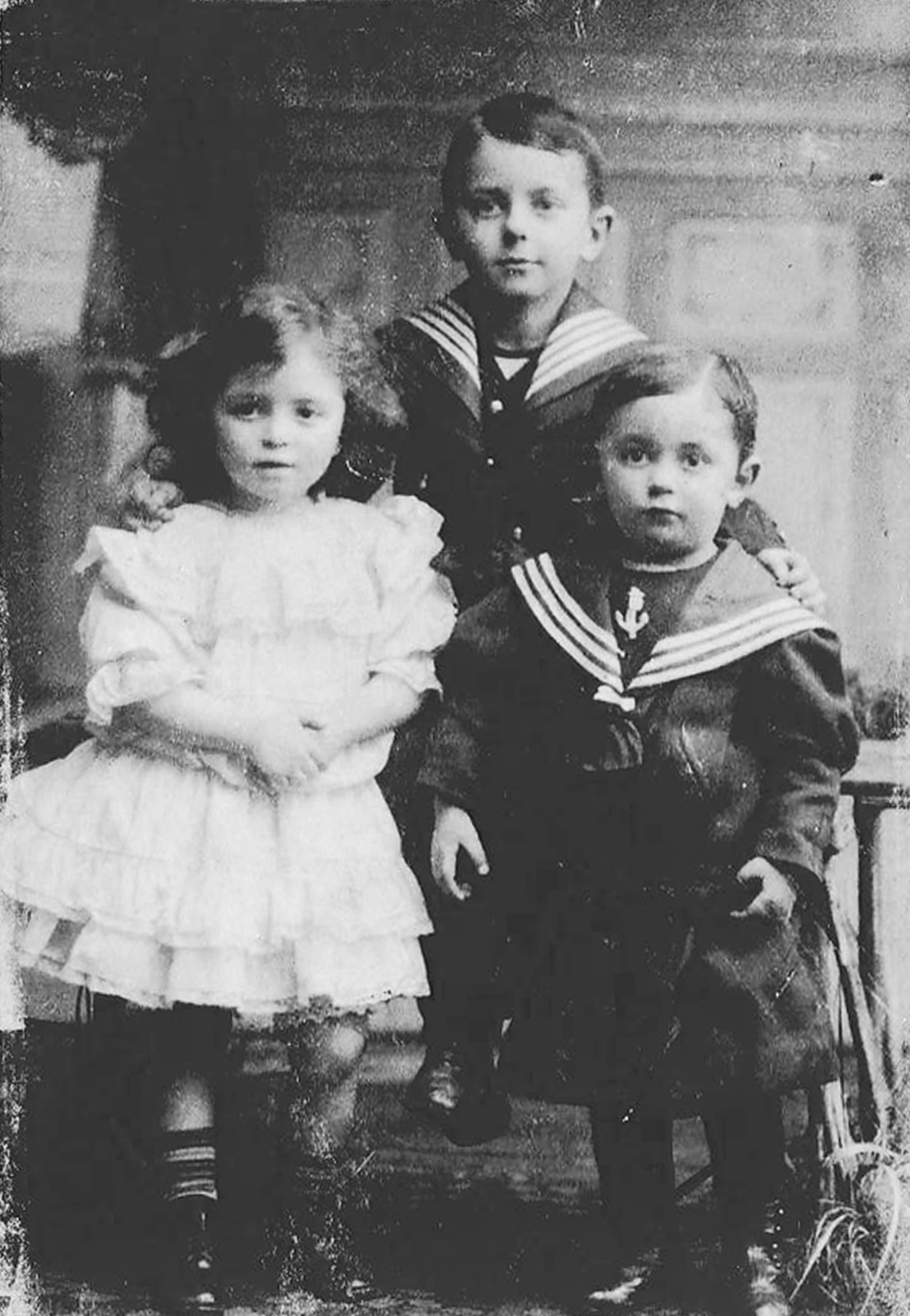 Elsa with her older brothers Günter and Gerhart. This was likely taken in Papa's photo studio in Hamburg.