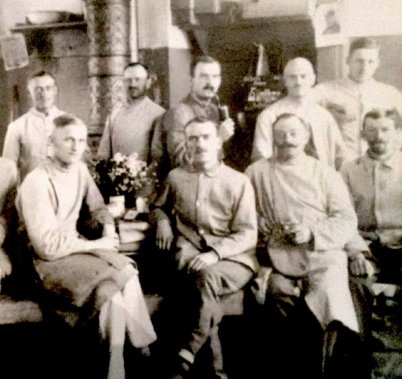 On the Russian front: Papa (bottom row, third from left) and his comrades in the kitchen.
