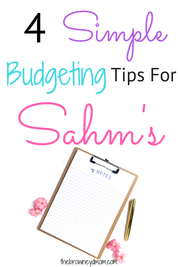 As stay at home moms, we really have to become masters at budgeting. So what about when you have no clue what to do? Check out these 4 budgeting tips that helped me when I started out staying home! #sahm #finances #budgeting #momboss #wahm