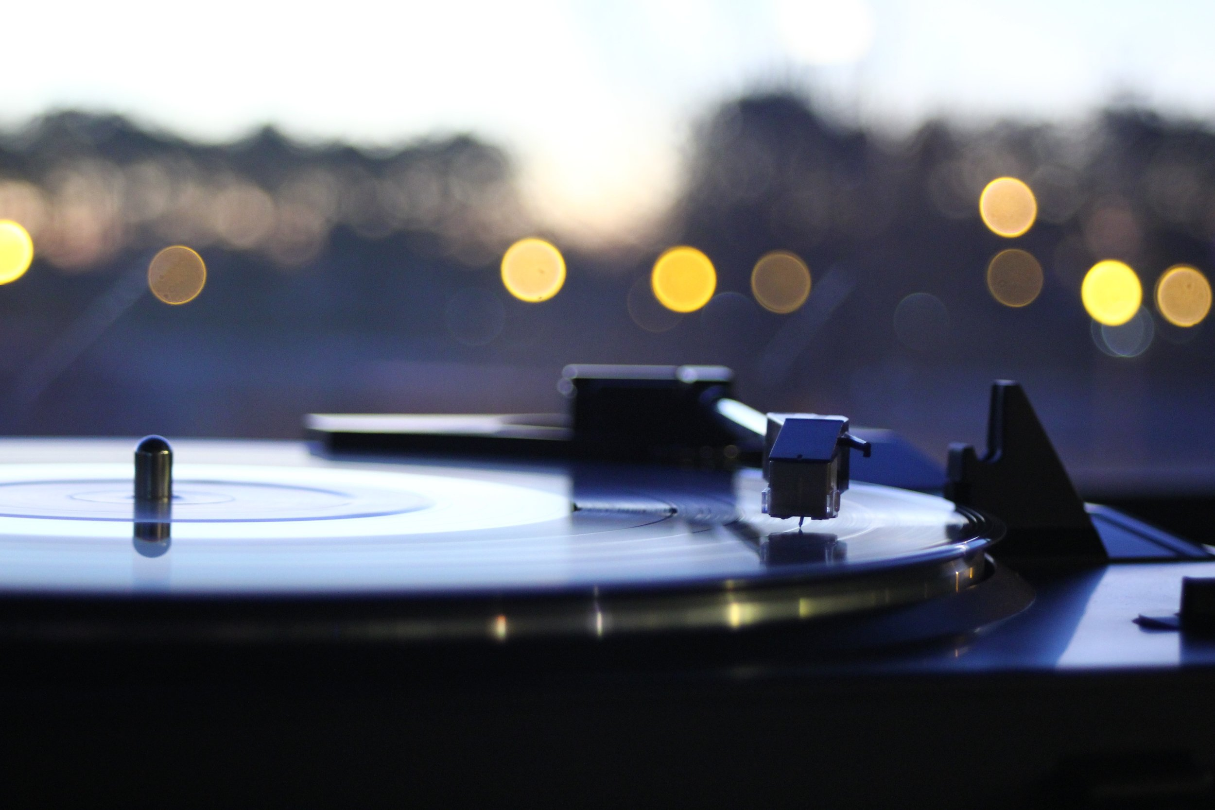 blurred-background-bokeh-close-up- Turn tables .jpg