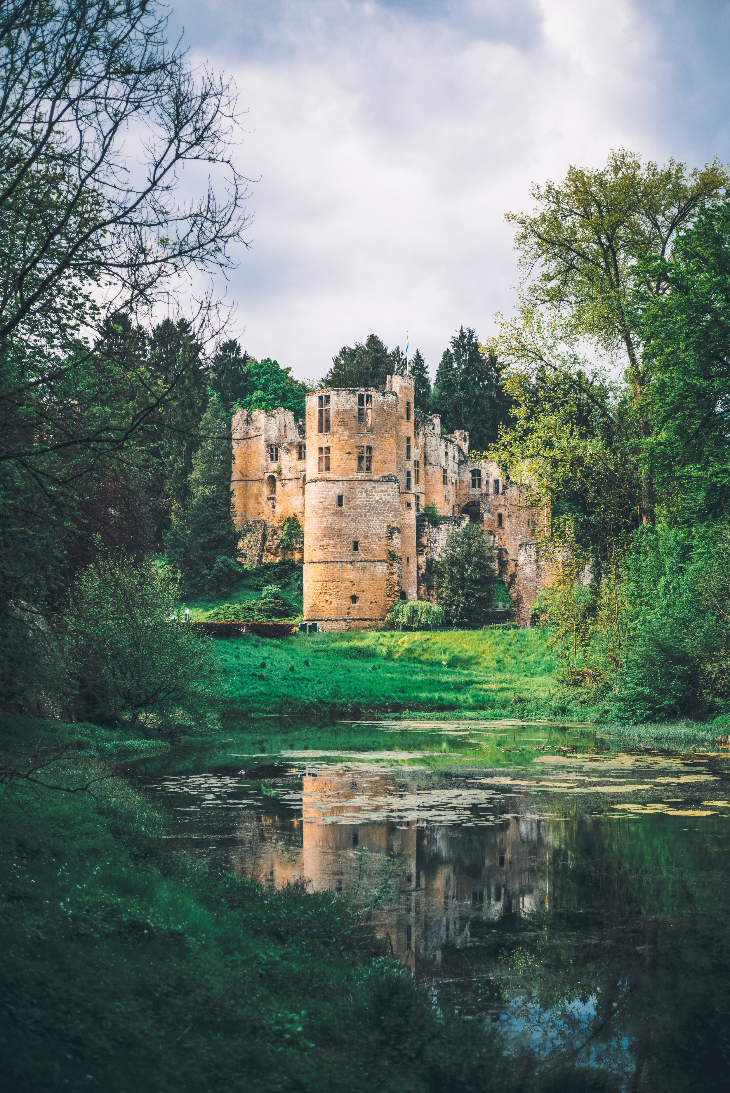 The Castle of Beaufort emerges from the woods!